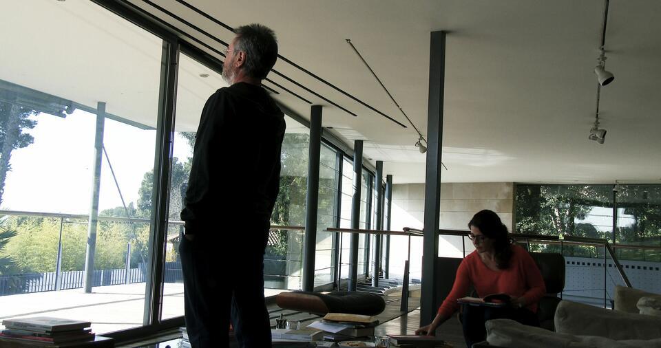 Der Nobelpreisträger mit Nora Navas und Oscar Martínez