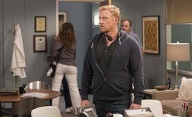 Grey's Anatomy - Staffel 15 Episode 2, Grey's Anatomy - Staffel 15 mit Kevin McKidd - Bild 18
