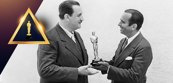 Joseph Farnham erhält 1929 den Oscar von Douglas Fairbanks