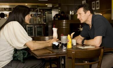 96 Hours mit Liam Neeson und Famke Janssen - Bild 3