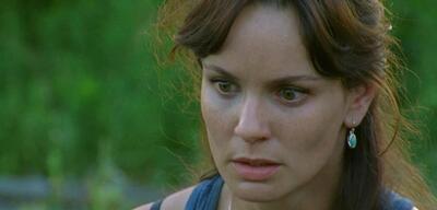 Sarah Wayne Callies spielt die Ehefrau