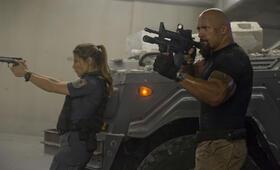 Fast & Furious Five mit Dwayne Johnson und Elsa Pataky - Bild 3