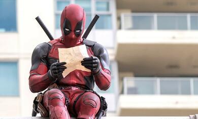 Deadpool mit Ryan Reynolds - Bild 1