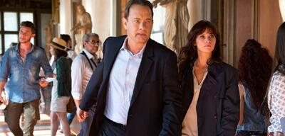 Tom Hanks und Felicity Jones in Inferno