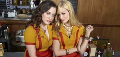 Kat Dennings und Beth Behrs in 2 Broke Girls