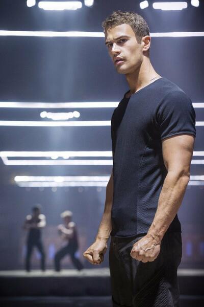 Die Bestimmung - Divergent mit Theo James