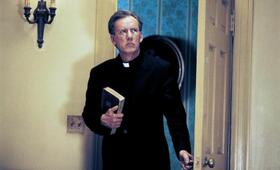 Scary Movie 2 mit James Woods - Bild 2