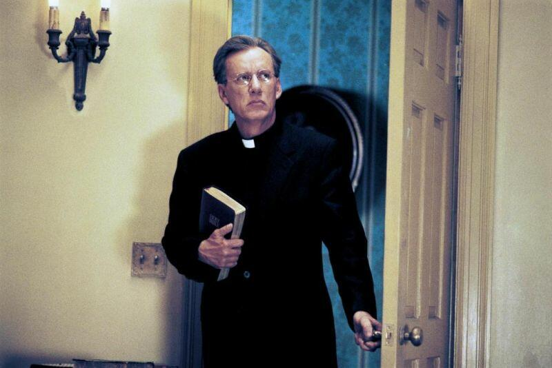 Scary Movie 2 mit James Woods