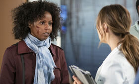 Grey's Anatomy - Staffel 15, Grey's Anatomy - Staffel 15 Episode 19 mit Camilla Luddington und Khalilah Joi - Bild 13