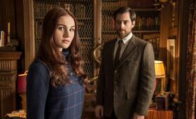 Outlander, Staffel 2 mit Richard Rankin und Sophie Skelton - Bild 5