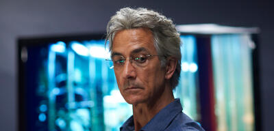 David Strathairn in Alphas