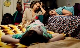 Rara - Meine Eltern sind irgendwie anders mit Emilia Ossandon, Mariana Loyola und Julia Lübbert - Bild 2