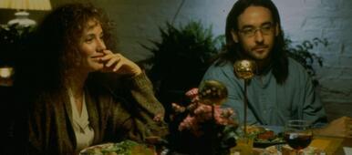In Being John Malkovich verdreht Cameron Diaz sowohl John Cusack als auch John Malkovich den Kopf Bildergalerie Detail-Ansicht