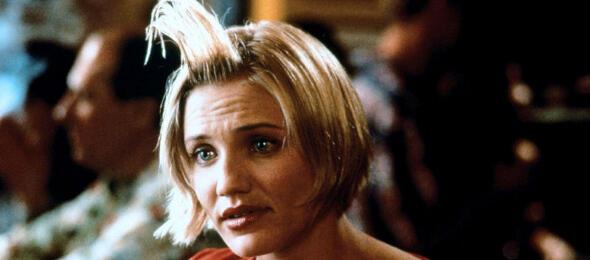 Als blonde Titelheldin in Verrückt nach Mary sorgte Cameron Diaz für Furore in Hollywood - Bild 3 von 12