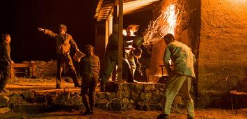 Bild zu:  In der Apokalypse muss die Feuerwehr Wasser sparen.