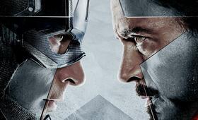 The First Avenger: Civil War mit Robert Downey Jr. - Bild 177