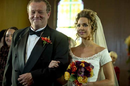 Eine Braut Zu Weihnachten Film 2012 Moviepilotde
