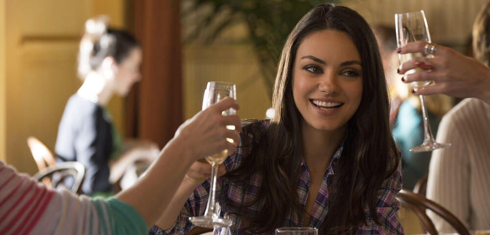 Mila Kunis - 5 nackte Fakten über den Bad Moms-Star