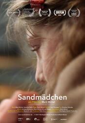 Sandmädchen Poster