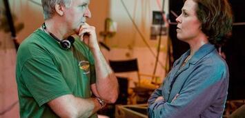 Bild zu:  Beim Rauchen erwischt! James Cameron und Sigourney Weaver