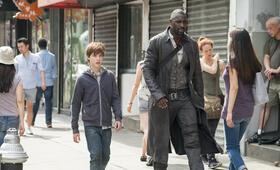 Der dunkle Turm mit Idris Elba und Tom Taylor - Bild 10