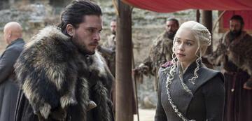 Kit Harington und Emilia Clarke in Game of Thrones