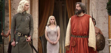 Game of Thrones: Illyrio Mopatis (Roger Allam) mit den Targaryens