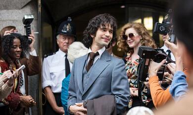 A Very English Scandal, A Very English Scandal - Staffel 1 mit Ben Whishaw - Bild 7