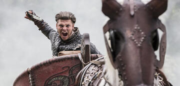 Alex Høgh Andersen als Ivar in Vikings