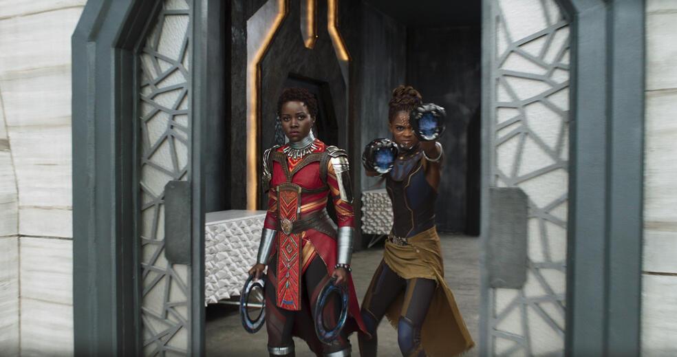 Black Panther mit Lupita Nyong'o und Letitia Wright