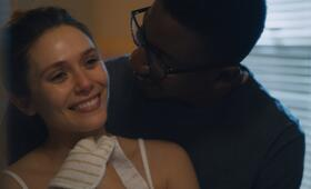 Sorry for Your Loss, Sorry for Your Loss - Staffel 1 mit Elizabeth Olsen und Mamoudou Athie - Bild 57