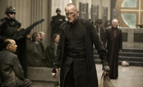 Priest mit Paul Bettany - Bild 6