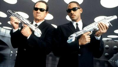 Tommy Lee Jones und Will Smith in Men Black auf Alien Jagd.