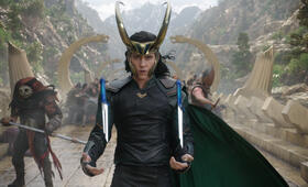 Thor 3: Ragnarok mit Tom Hiddleston - Bild 71