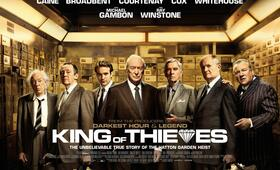 The King of Thieves mit Jim Broadbent, Charlie Cox, Ray Winstone, Tom Courtenay und Paul Whitehouse - Bild 6