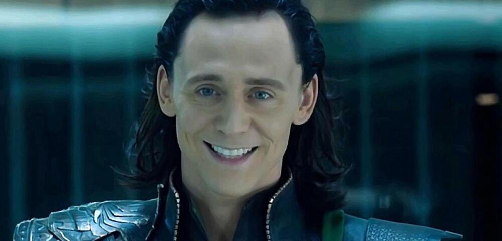 Tom Hiddleston wird in Nachrichten-Video zum Wettermann