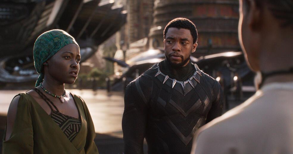Black Panther mit Lupita Nyong'o und Chadwick Boseman