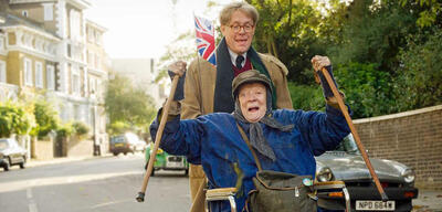 Maggie Smith und Alex Jennings in Lady in the Van