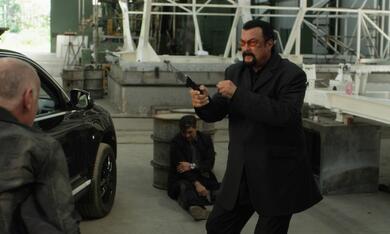 End of a Gun mit Steven Seagal - Bild 2