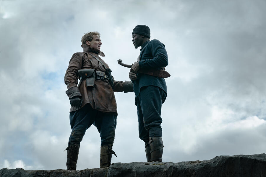 The King's Man - The Beginning mit Ralph Fiennes und Djimon Hounsou