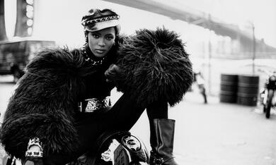Peter Lindbergh - Women's Stories mit Naomi Campbell - Bild 3