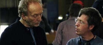 Kevin Greutert und Tobin Bell am Set von Saw VI