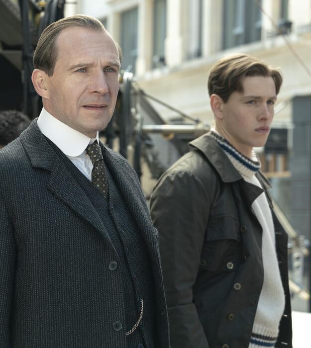 The King's Man - The Beginning mit Ralph Fiennes und Harris Dickinson