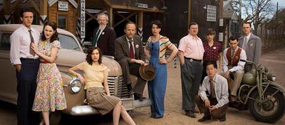 Die Crew aus WGNs spannender Serie Manhattan