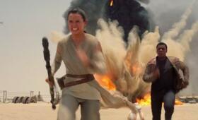 Star Wars: Episode VII - Das Erwachen der Macht mit Daisy Ridley und John Boyega - Bild 24