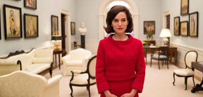 Natalie Portman alsJackie Kennedy