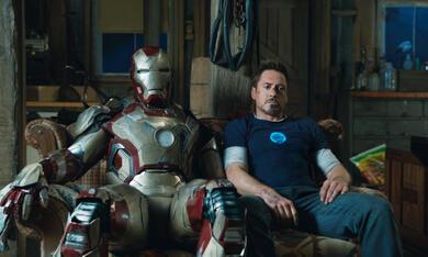 Iron Man 3 mit Robert Downey Jr. und Ben Kingsley - Bild 1