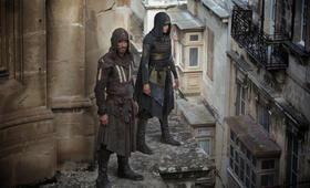 Assassin's Creed mit Michael Fassbender und Ariane Labed - Bild 42
