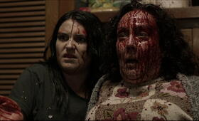 Housebound mit Morgana O'Reilly und Rima Te Wiata - Bild 3