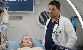 Grey's Anatomy - Staffel 15, Grey's Anatomy - Staffel 15 Episode 25 mit Justin Chambers - Bild 7